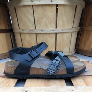 Birkis Lillie Cross Leather Sandals